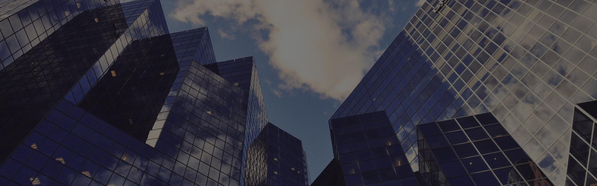 Des consultants en immigration canadiennes réglementées, ou RCICs, sont légalement autorisé des représentants et membres en règle de la Société Canadienne des Consultants en Immigration Conseil (ICCRC).